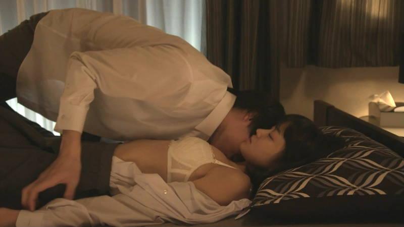 【JKキャプ画像】深夜ドラマでイケメンにパンティー脱がされて愛撫されるJKがエロいwww 26