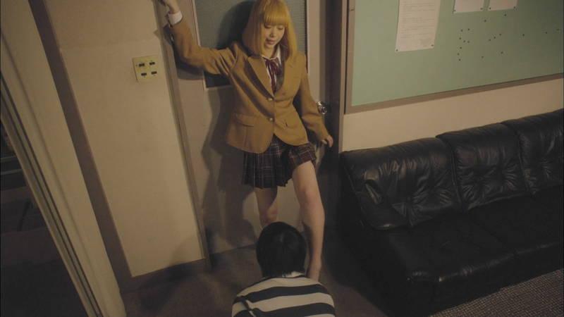 【生脱ぎキャプ画像】某ドラマに期待するのは制服娘によるパンティーの生脱ぎだけwww 10
