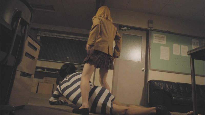 【生脱ぎキャプ画像】某ドラマに期待するのは制服娘によるパンティーの生脱ぎだけwww 18
