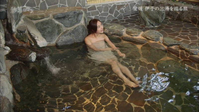 【石川理咲子キャプ画像】超美人でスタイルのいい女性の温泉入浴シーンはいいものだwww 15