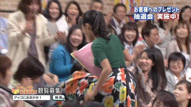 【小島瑠璃子キャプ画像】こじるりのおっぱい強調ファッションが凄すぎて勃起必至www 03