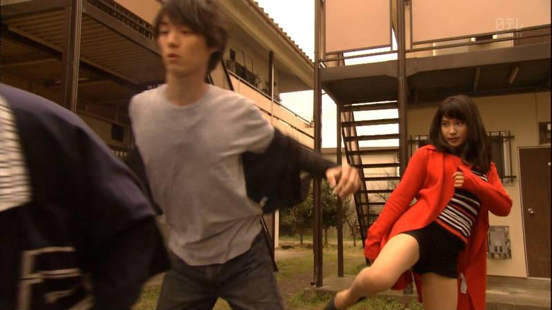 【土屋太鳳キャプ画像】土屋太鳳がドラマで短パン姿になって健康的な太ももを披露www 14