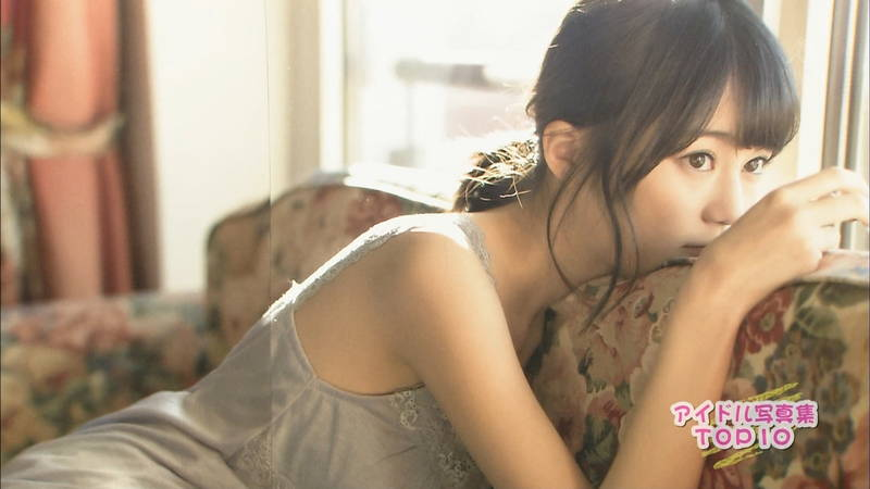 【佐藤聖羅キャプ画像】アイドル写真集のランキングが総じておっぱいだった件www 24