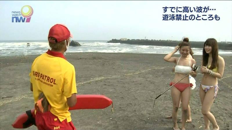 【素人キャプ画像】夏になるとテレビでも素人さんの水着姿で見れていいよねwww 05