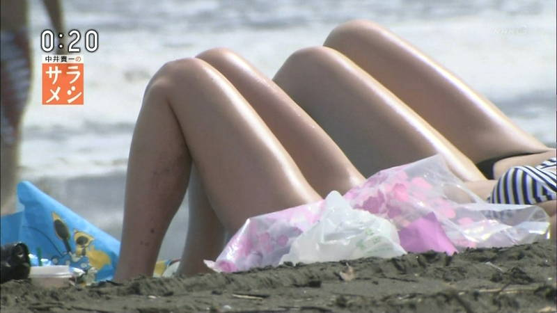 【素人キャプ画像】夏になるとテレビでも素人さんの水着姿で見れていいよねwww 35
