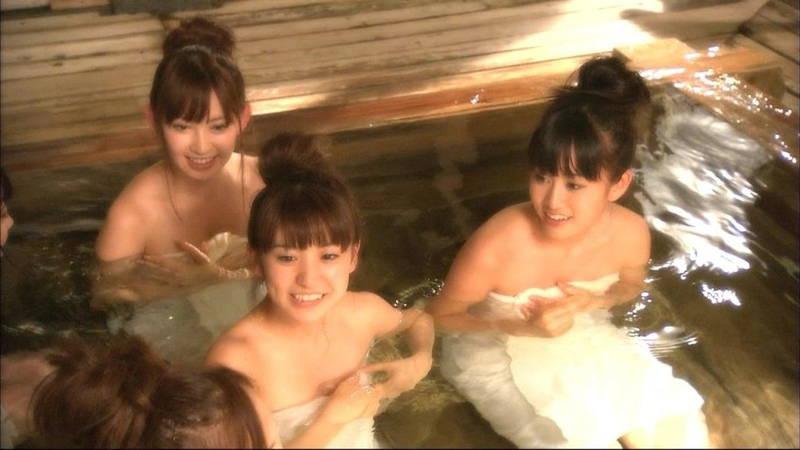 【温泉キャプ画像】温泉の入浴シーンとかレポートって完全にエロ目的で放送されてるよなwww 05