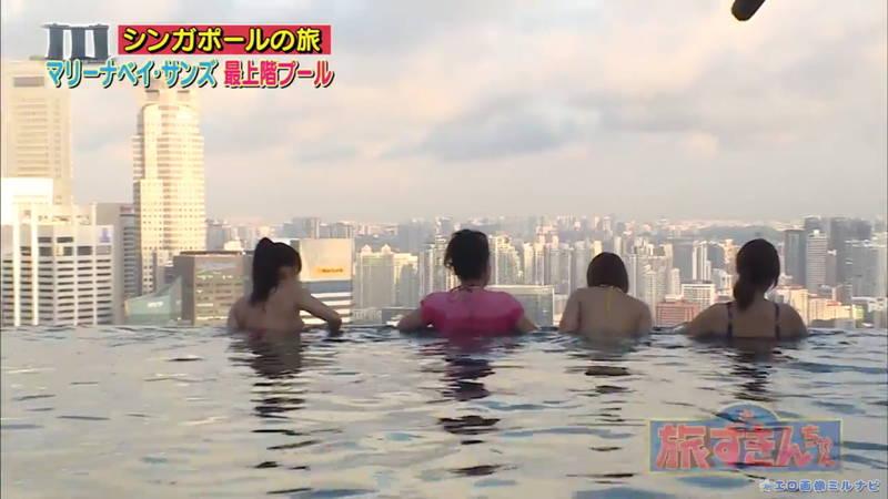 【爆乳キャプ画像】和地つかさと天木じゅんの爆乳コンビがシンガポールの例のプールに!w 09