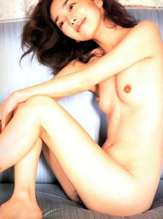 【ヌードキャプ画像】タレントのヌードってAV女優とは違ったエロさがあるよなwww 13