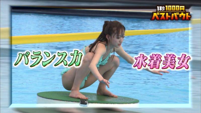 【ギャルキャプ画像】こんがり日焼けしたギャルが水上でバランス対決した結果www 12
