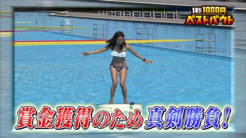 【ギャルキャプ画像】こんがり日焼けしたギャルが水上でバランス対決した結果www 23