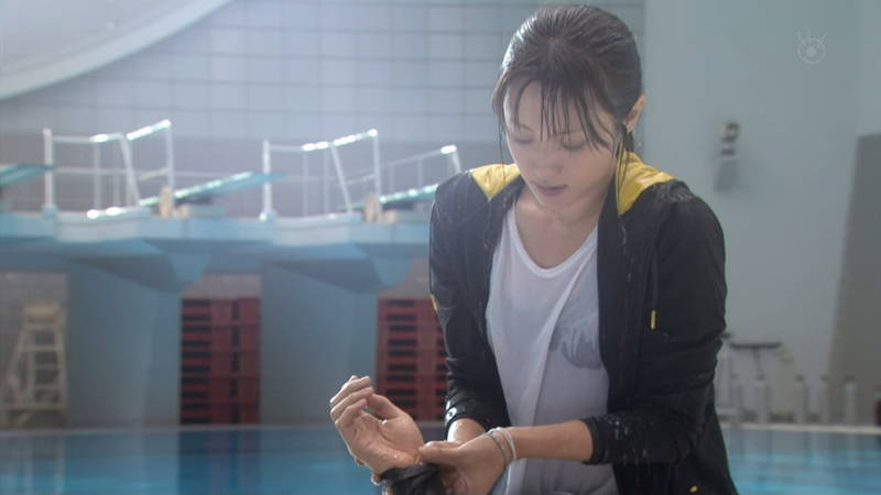 【深田恭子キャプ画像】Tシャツの下に水着を着ていても透けるとエロいという事実www