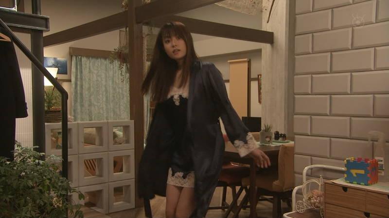【深田恭子キャプ画像】Tシャツの下に水着を着ていても透けるとエロいという事実www 06