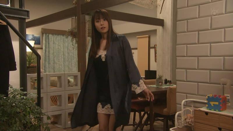 【深田恭子キャプ画像】Tシャツの下に水着を着ていても透けるとエロいという事実www 07