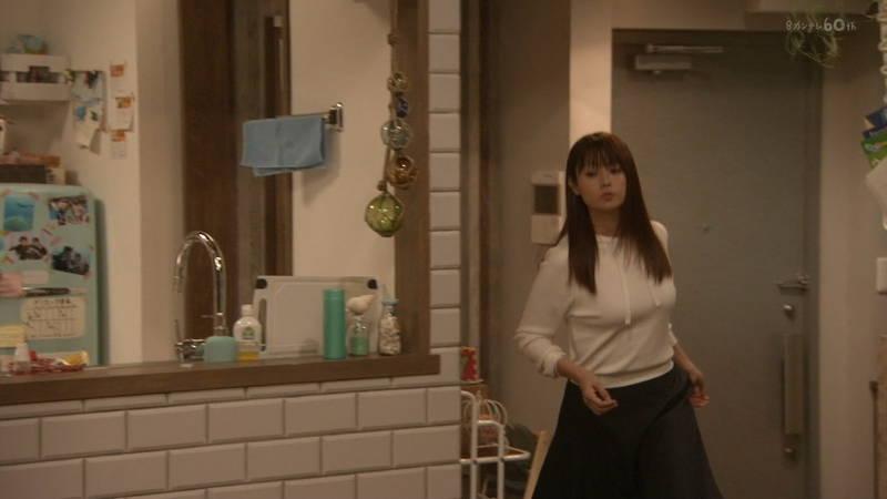 【深田恭子キャプ画像】Tシャツの下に水着を着ていても透けるとエロいという事実www 11
