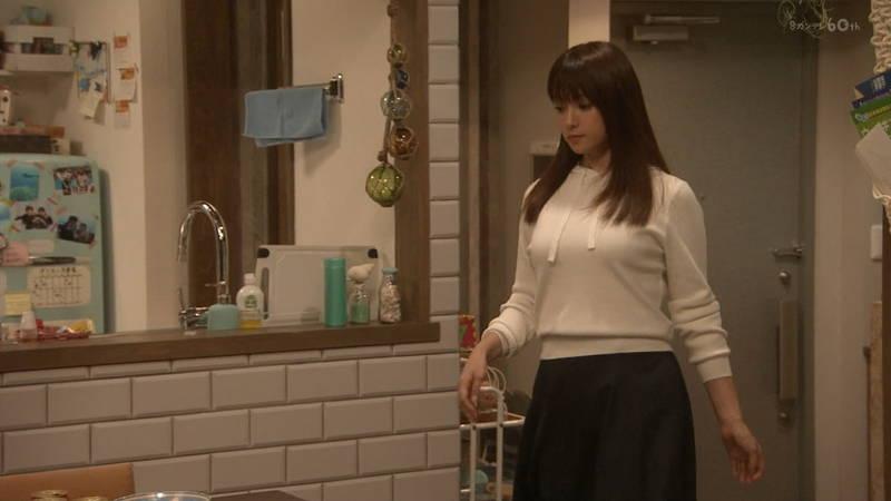 【深田恭子キャプ画像】Tシャツの下に水着を着ていても透けるとエロいという事実www 13