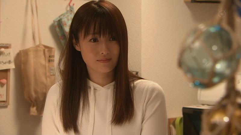 【深田恭子キャプ画像】Tシャツの下に水着を着ていても透けるとエロいという事実www 19