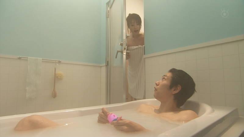 【深田恭子キャプ画像】Tシャツの下に水着を着ていても透けるとエロいという事実www 22