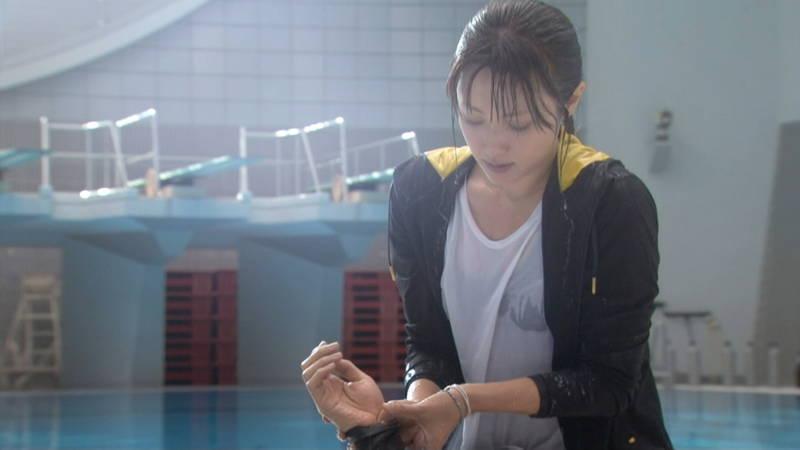 【深田恭子キャプ画像】Tシャツの下に水着を着ていても透けるとエロいという事実www 27