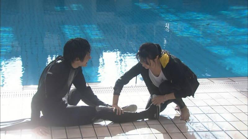 【深田恭子キャプ画像】Tシャツの下に水着を着ていても透けるとエロいという事実www 30