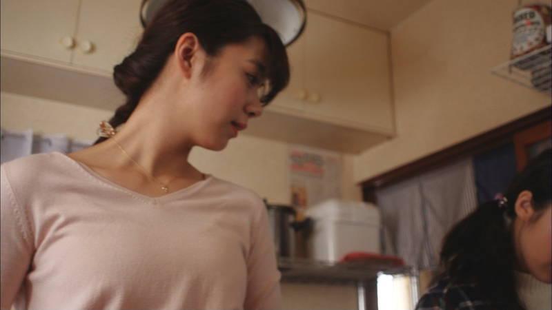 【岡田紗佳キャプ画像】何を着ていても着衣おっぱいが気になる岡田紗佳は巨乳なのか? 14