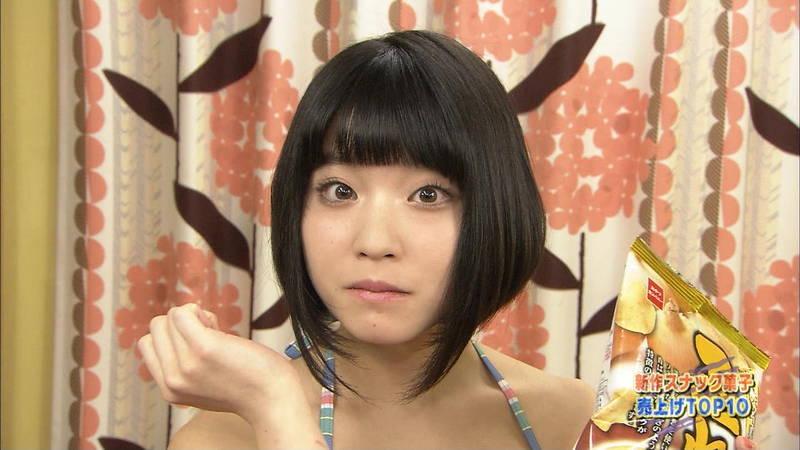 【Gカップキャプ画像】根本凪がテレビ番組でGカップなのに惜しげもなくビキニ姿になっているwww 23