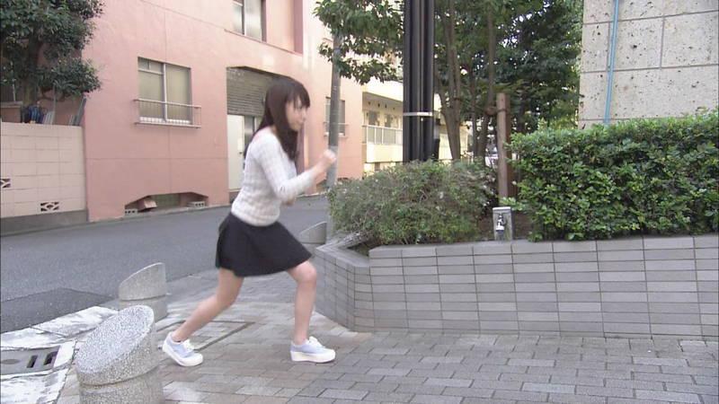 【清水あいりキャプ画像】Hカップを全力で揺らして坂道を駆け上がる清水あいりwww 16