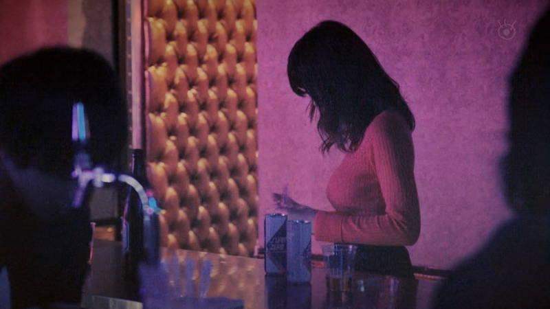 【池田エライザキャプ画像】池田エライザのドラマがセーター巨乳が全面的にフィーチャーされているwww