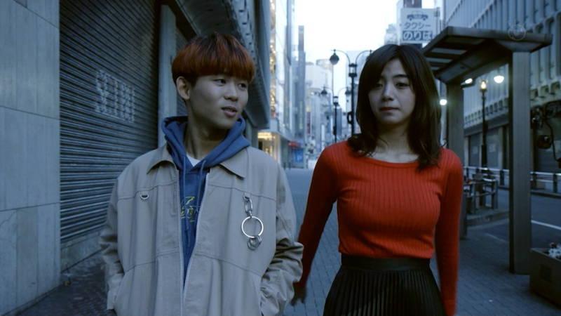【池田エライザキャプ画像】池田エライザのドラマがセーター巨乳が全面的にフィーチャーされているwww 15