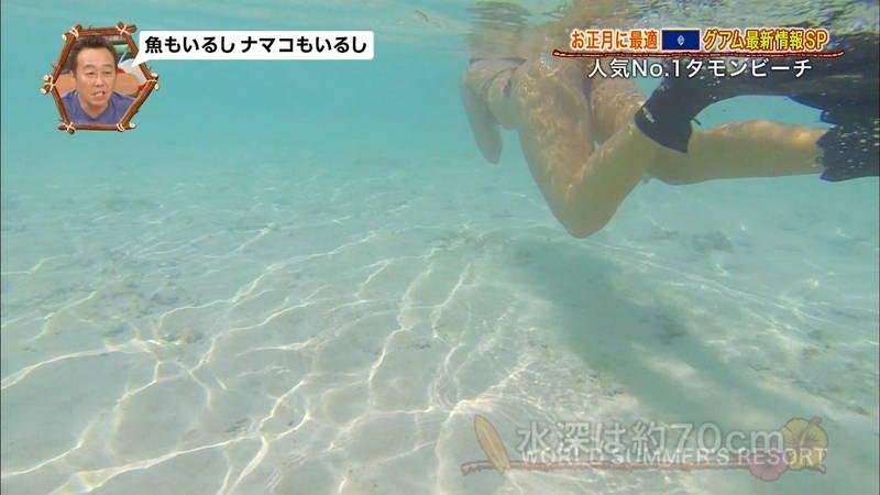 【外国人キャプ画像】ビキニレポーターがいちいちエロい海外からのレポートwww 05