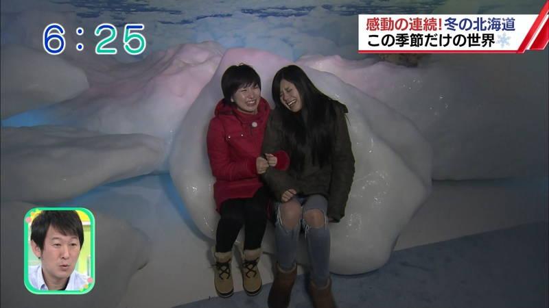 【温泉キャプ画像】雪ロケなのに穴あきジーパンできた女の子が温泉で生き返るwww