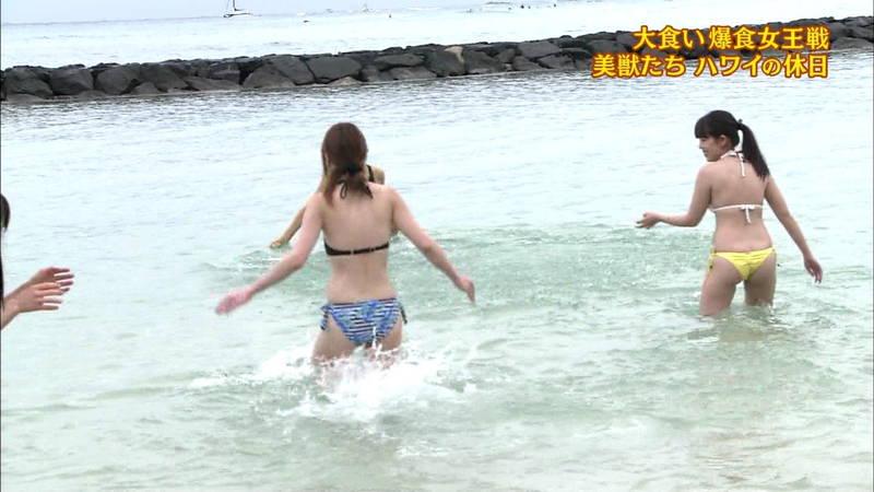 【佐藤医師キャプ画像】水着の食い込み具合が絶妙にエロい佐藤医師についてwww