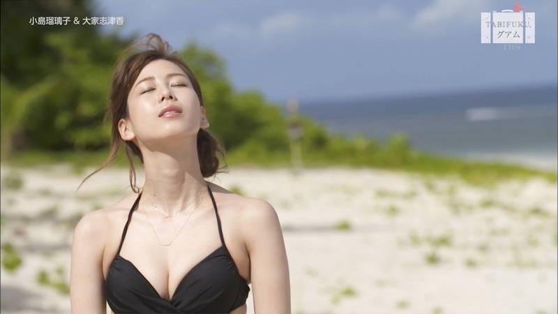 【水着キャプ画像】小島瑠璃子と大家志津香の水着姿が同時に楽しめる幸せな番組www