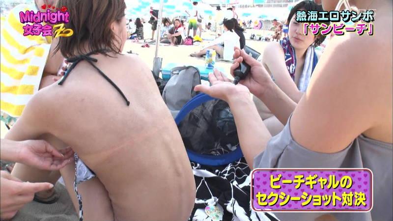 【素人キャプ画像】熱海でビキニの素人さんを脱がしてセクシーショットを撮る番組ってwww 14
