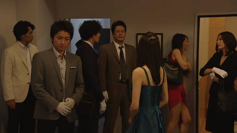 【芦名星キャプ画像】ギリギリの衣装で常にパンチラチャンスなドラマwww