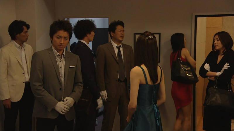 【芦名星キャプ画像】ギリギリの衣装で常にパンチラチャンスなドラマwww 03