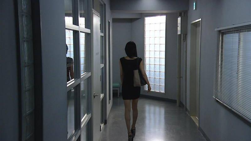 【芦名星キャプ画像】ギリギリの衣装で常にパンチラチャンスなドラマwww 13