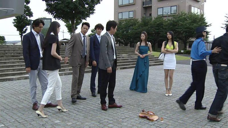 【芦名星キャプ画像】ギリギリの衣装で常にパンチラチャンスなドラマwww 14
