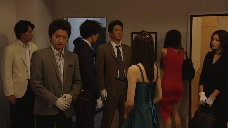 【芦名星キャプ画像】ギリギリの衣装で常にパンチラチャンスなドラマwww 29