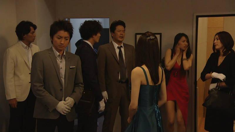 【芦名星キャプ画像】ギリギリの衣装で常にパンチラチャンスなドラマwww 30