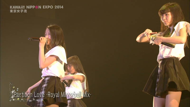 【ライブキャプ画像】Kawaii Nippon Expoがパンチラ祭りだったと聞いてwww 13
