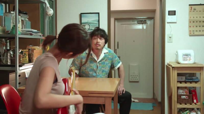【夏菜キャプ画像】家着で谷間チラチラさせる夏菜がエロ可愛すぎたwww 06
