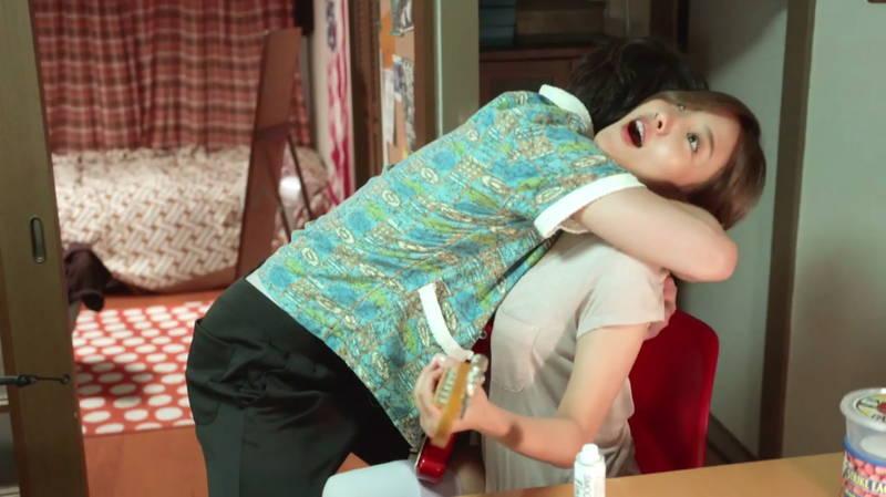 【夏菜キャプ画像】家着で谷間チラチラさせる夏菜がエロ可愛すぎたwww 09