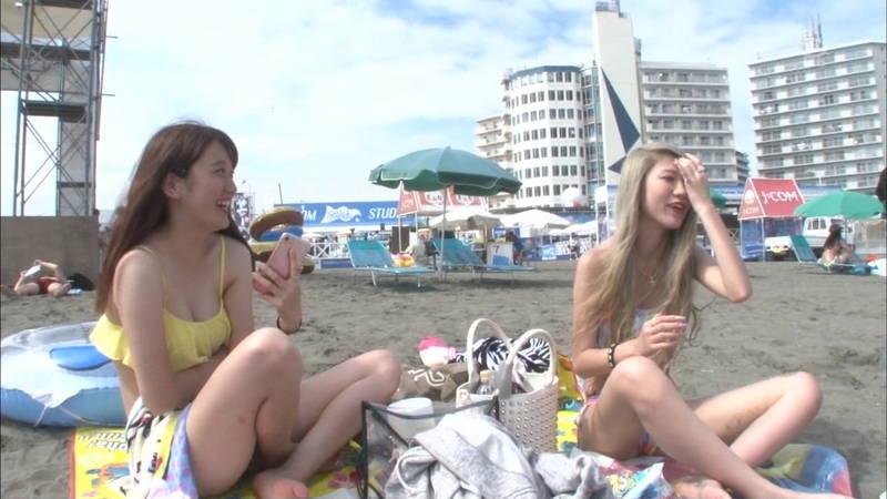 【素人キャプ画像】毎日のように素人さんの水着が見れるならずっと夏でよかったwww 32
