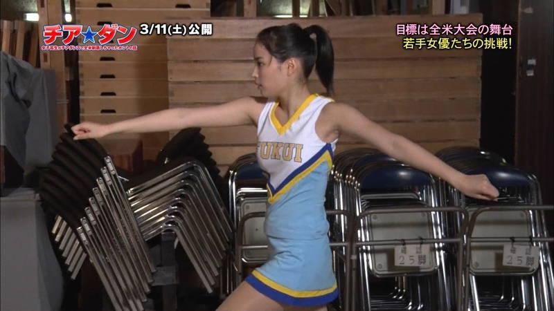 【広瀬すずキャプ画像】チアダンス部の映画が生脚太ももパラダイスな件www 09
