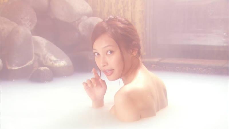 【大政絢キャプ画像】常に競泳水着がエロシーンになってしまう水球ドラマwww