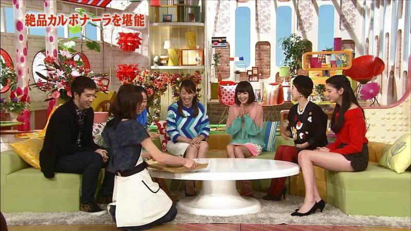 【美脚キャプ画像】最近の若手女優がやたらと短いスカートで美脚アピールしていると聞いてwww 30