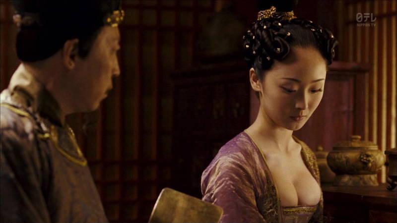【王妃の紋章キャプ画像】中国映画を普通に観ていたのに気がついたらおっぱいしか見えなくwww