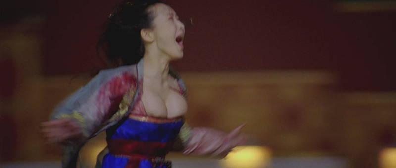 【王妃の紋章キャプ画像】中国映画を普通に観ていたのに気がついたらおっぱいしか見えなくwww 04