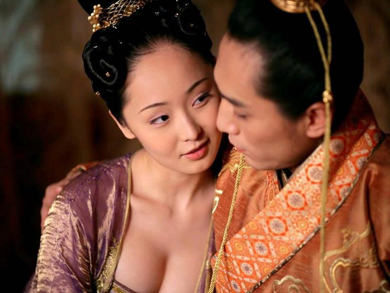 【王妃の紋章キャプ画像】中国映画を普通に観ていたのに気がついたらおっぱいしか見えなくwww 09