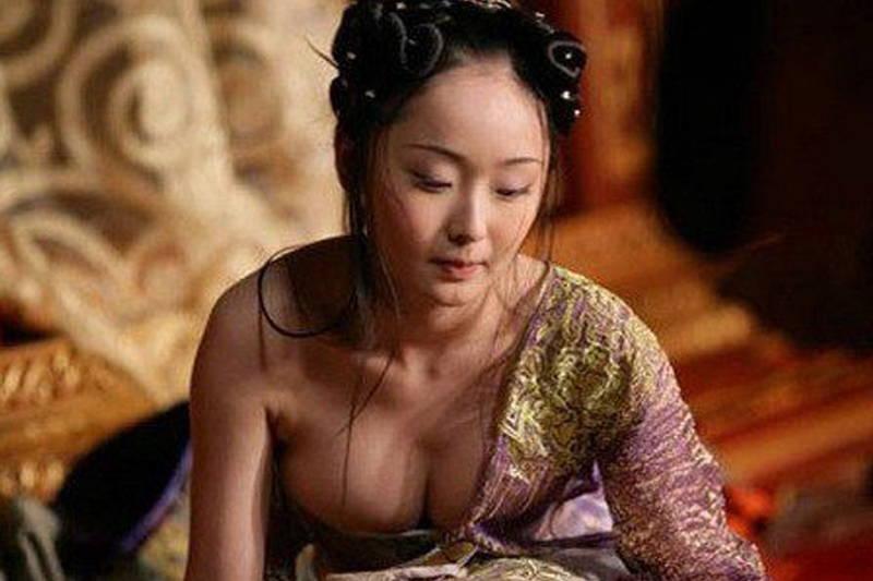 【王妃の紋章キャプ画像】中国映画を普通に観ていたのに気がついたらおっぱいしか見えなくwww 10